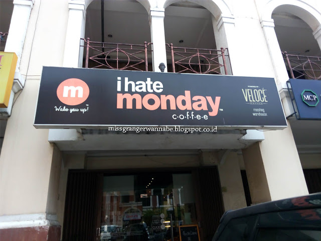 i-hate-monday-coffe-moi-3