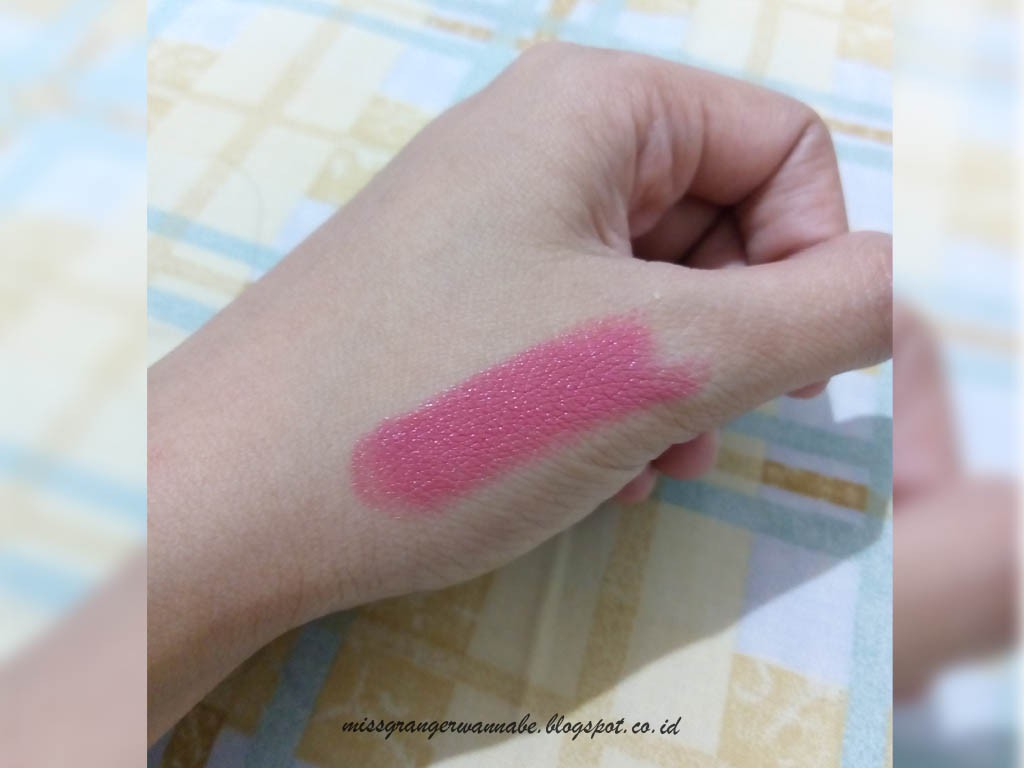 happy-lips-caring-colours-cyber-pink-23-swatch