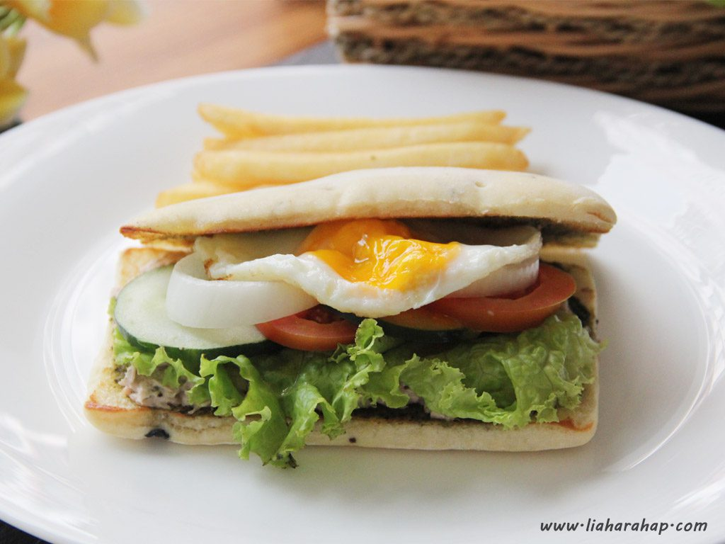 workshop-food-photography-ciabatta-sandwich-zoom