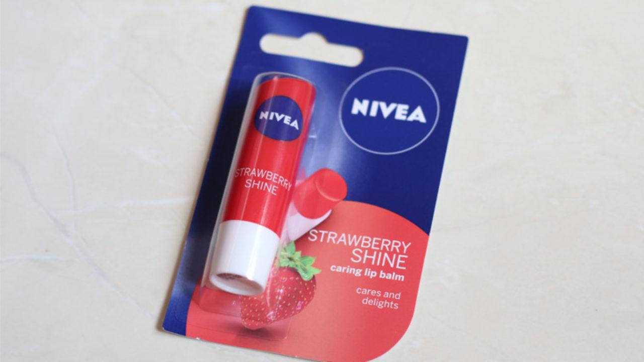 https://liaharahap.com/wp-content/uploads/2019/07/nivea-strawberry-lip-balm-1280x720.jpg