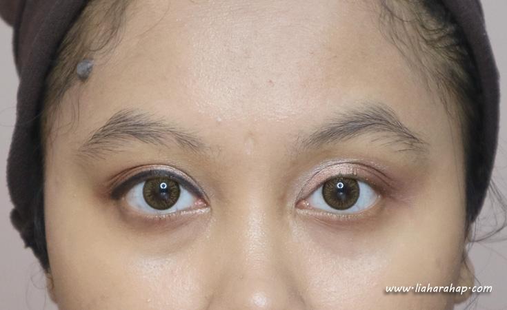 swatch eyeliner